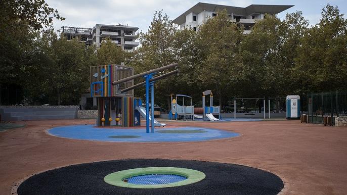 photos Dimitris Michelakis Cheldraich Street. Playground