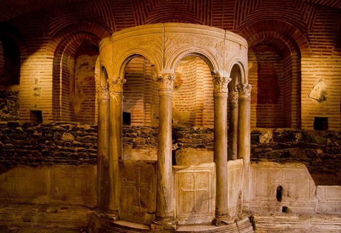 crypt dimitrios
