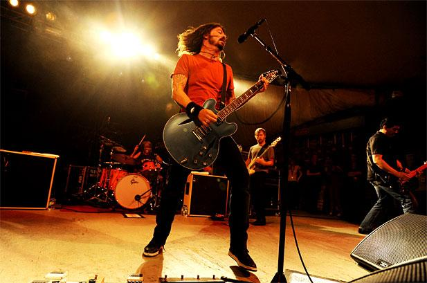 dave-grohl-foo-fighters