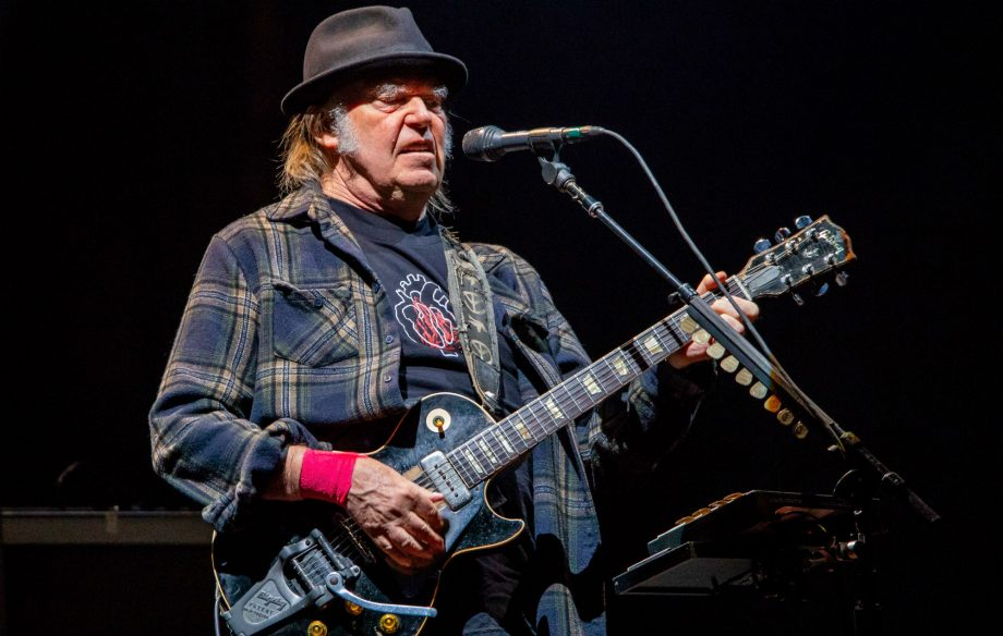 neil young barclays not sponsoring 920x584