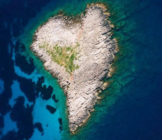 messinia island heart
