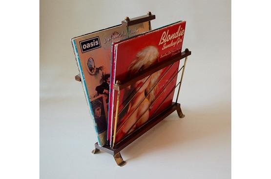 2015 05 vintage magazine rack