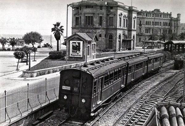 ksulinos surmos n iwnia Παλιές φωτογραφίες από τον ηλεκτρικό της Αθήνας