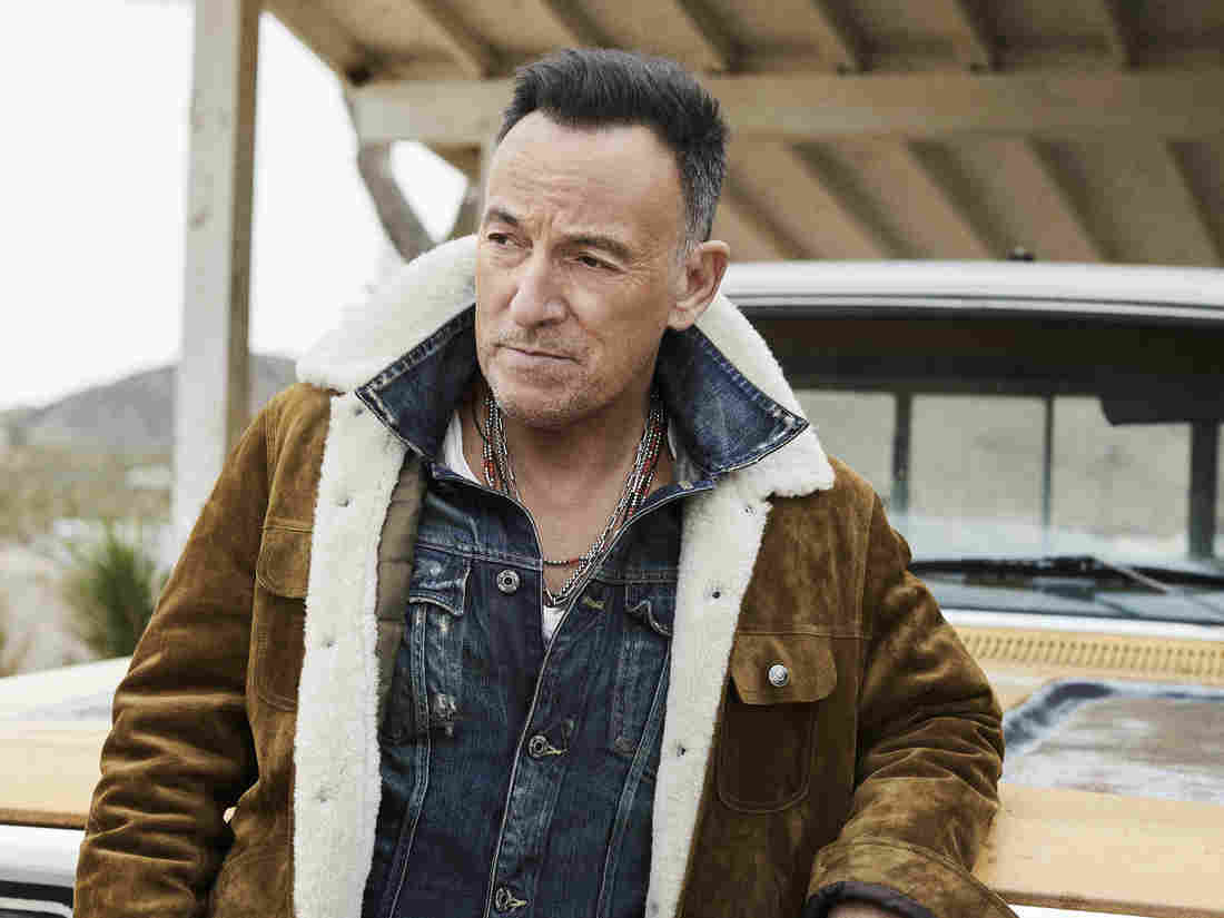 springsteen ws photo2 8414899eff16fe11064df4156010ecb8bb81e769 s1100 c15