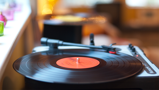 vinyl outselling hed 2016